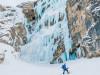 Mit Bergführer von ProAlpina aus Südtirol beim Eisklettern in den Dolomiten.