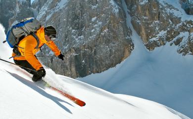 Mit Bergführer von ProAlpina aus Südtirol - Skitourenabfahrt während einer Skidurchquerung der Dolomiten